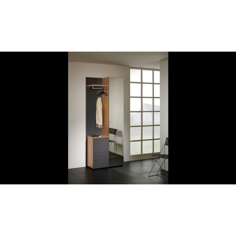 Garderobe Window